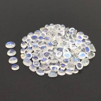 53.15 Cts. Rainbow Moonstone 4X3-7X5mm Smooth Oval Shape Cabochon Parcel (124 Pcs.)